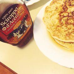 Pancake homemade e sciroppo d'acero