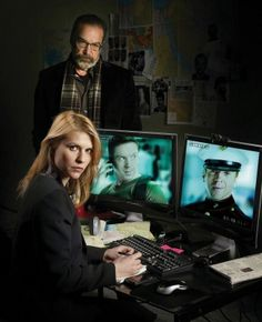 Homeland (Showtime) Claire Danes and Mandy Patinkin. What direction will the show take this season with Brody dead? Claire Danes, Newest Tv Shows, Favorite Tv Shows, Homeland Tv Series, Spy Tv Series, Showtime Tv, Carrie Mathison, Homeland Season, Spy Shows
