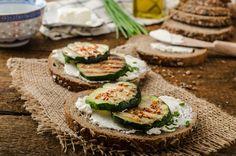 Salmon Burgers, Ricotta, Avocado Toast, Sushi, Salsa, Breakfast, Ethnic Recipes, Food, Diets