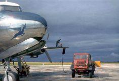 SAA Douglas DC-4 refueling East London 1951 Aviation Center, Aviation Fuel, Aircraft Maintenance Manual, Douglas Dc 4, Airline Cabin Crew, Fuel Truck, Nostalgic Pictures, Airplane Photography, Modern Tech