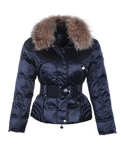 e1b9e0aaa158 Moncler Femmes Veste Bleue With Alpes Matelassee Moncler Jacket Women, Fur  Collar Jacket, Mantel