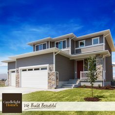 This contemporary Jasper plan is perfect for small families and empty nesters! #CandlelightHomes #utahhomes #utahbuilder #webuildbeautiful #homedecor #exterior #contemporary #jasper #home #utah