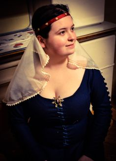 Embroidered veil with pearls, based on Madonna of Zbraslav (Czech, 1350-1360). Made by Fraucymer workshop.