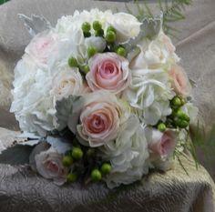 Wedding Florist for the budget savvy bride. Blush Bouquet, Beautiful Flowers, Weddings, Bride, City, Bodas, Bridal, Pretty Flowers, Hochzeit
