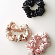 Slip Silk Large Scrunchie Set by in Gold Size: All, Bath & Body at Anthropologie Womens Fashion Online, Latest Fashion For Women, Headband Hairstyles, Cool Hairstyles, African Hairstyles, Natural Hairstyles, Soirée Pyjama Party, Pijamas Women, Accesorios Casual