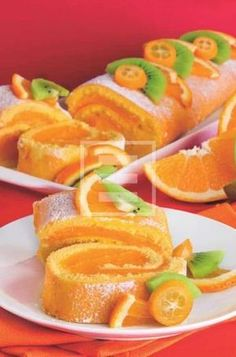 Roll with orange cream for dessert or snack Sweets Recipes, Cooking Recipes, My Favorite Food, Favorite Recipes, Kolaci I Torte, Torte Cake, Rainbow Food, Yummy Cakes, Italian Recipes