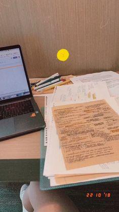 School Organisation, Study Organization, College Motivation, Study Motivation, Study Corner, Study Pictures, School Study Tips, Study Planner, Pretty Notes