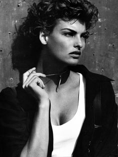 Tomboy Chic: Style and Tomboy Femme Linda Evangelista, 90s Models, Fashion Models, Tomboy Chic, Laetitia, Steven Meisel, How To Look Handsome, Christy Turlington, Cindy Crawford