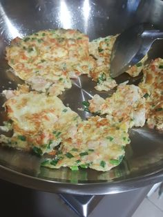 Catherine's Cooking @ cathteops: Pan fry prawn omelette ( pan fry egg)