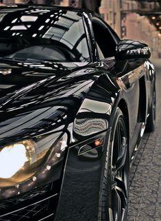 Audi R8.......