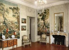 Musée Sobirats in Carpentras, France with an 18th century #fireplace in Carrara and Brocatelle marble