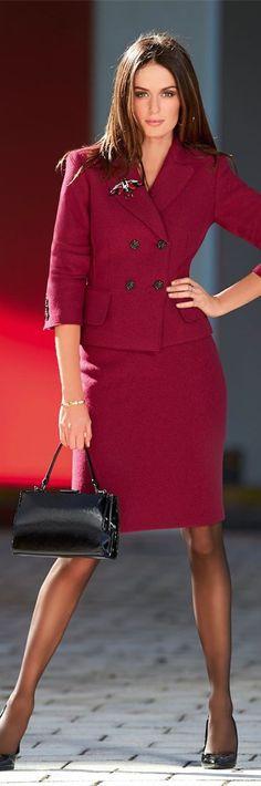 Un tailleur pour oublier le noir et banc ou gris un peu de couleur pour égailler votre garde robe