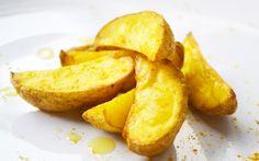 Schmackhaft und würzig sind die Kartoffelecken. Mit diesem #Rezept gelingt eine Beilage, die vor allem zu Gegrilltem toll schmeckt.