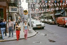 50 Amazing Color Photographs of Street Scenes of New York City in the 1970s