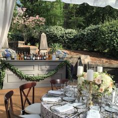 All set here! #izantbelieveit @toast_events @kaylatausche @percheventdecor #jacksondurham #toastevents #weddingdesign #atlantabrides #atlantaweddings #eventdesign #floraldesign