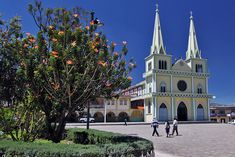 Central Plaza in Chordeleg, artisan town near Cuenca, Ecuador, specializes in handmade gold and silver filigree jewelry. Central Plaza, Exotic Beaches, Amazon Rainforest, Galapagos Islands, Ancient Ruins, Quito, Heritage Site, Beautiful Places, Places