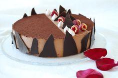 -SjokoladeMousse Kake-  Chocolate Mousse Cake - vanilla custard based - with nut-meringue bottom layer