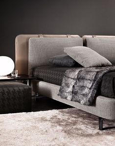 TATLIN BEDSPREAD - Designer Plaids from Minotti ✓ all information ✓ high-resolution images ✓ CADs ✓ catalogues ✓ contact information ✓ find. Bed Headboard Design, Bed Frame Design, Headboards For Beds, Bed Design, Master Bedroom Interior, Bedroom Furniture Design, Sofa Furniture, Bedroom Decor, Minotti Furniture