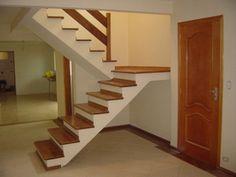 Escada com madeira