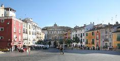 Cuenca Ciudad Patrimonio de la Humanidad. Plaza Mayor, vista del ayuntamiento | HOTEL FRANCABEL en Cuenca