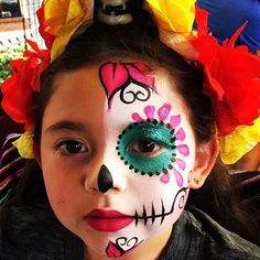 Halloween Makeup For Kids, Kids Makeup, Halloween Costumes Scarecrow, Halloween Kostüm, Sugar Skull Makeup, Sugar Skull Face Paint, Catrina Costume, Skull Makeup Tutorial, Helloween Party