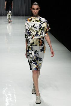 Kamishima Chinami | Spring 2013 Ready-to-Wear Collection | Style.com