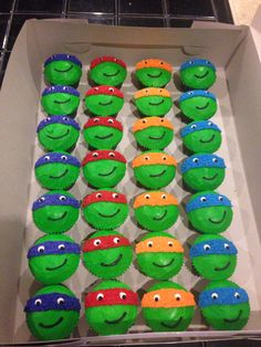 Teenage mutant ninja turtle cupcakes for Ashers birthday. Turtle Birthday Parties, Ninja Birthday, Birthday Fun, Carnival Birthday, Birthday Ideas, Karate Birthday, Ninja Party, Ninja Turtle Party, Cupcake Torte