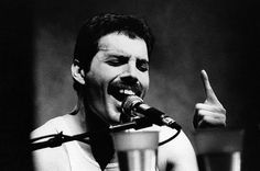 Freddie Mercury Black Red Silver Bracelet, You Take My Breath Away, Ode to Mary Austin, Queen British Rock Group, Who is Your King Queen Queen Freddie Mercury, Celebrity Portraits, Celebrity Photos, Beatles, Freddie Mecury, Mercury Black, Roger Taylor, Photo Portrait, Mejor Gif