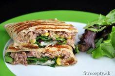 Celozrnná tortilla s tuniakovou náplňou Low Calorie Recipes, Healthy Recipes, Tofu, Hamburger, Paleo, Brunch, Food And Drink, Beef, Snacks