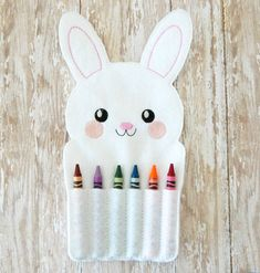 felt crayon roll up - Easter toys for kids - Easter gift - Easter bunny crayon roll - Easter basket stuffers - felt toy - Easter rabbit gift Easter Toys, Easter Gifts For Kids, Easy Easter Crafts, Easter Gift Baskets, Easter Treats, Bunny Crafts, Easter Bunny, Crayon Roll, Diy Ostern