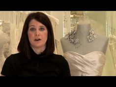 Style advice when shopping for your plus size wedding dress. Repin this!