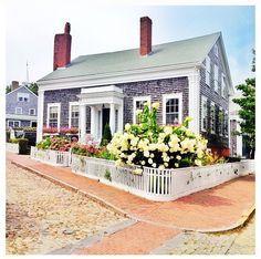 Nantucket #summer home!!! Bebe'!!! Love, love, love this New England Nantucket seaside cottage!!!