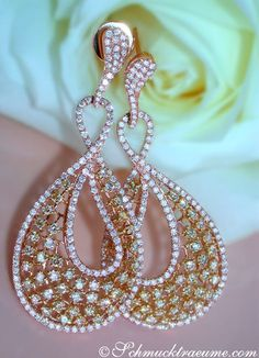 Gorgeous Dangling Earrings with Yellow and White Diamonds in Rosegold 18k (5.66 ct.) - schmucktraeume.com