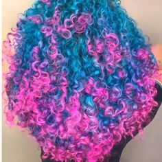Omg it looks like a candy would you try this color! Dyed Curly Hair, Dyed Natural Hair, Colored Curly Hair, Dye My Hair, Curly Hair Styles, Natural Hair Styles, Curly Afro, Girls Natural Hairstyles, Baddie Hairstyles
