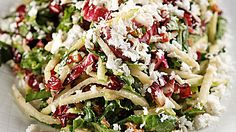 After trying this kale and apple salad at Beauty & Essex, a restaurant in Manhattan, O editor at large Gayle King can see yet again why kale is the new spinach.