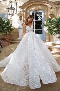 Sleeveless heavy embellishment ball gown wedding dress : Milla Nova wedding dress #weddingdress #weddinggown #wedding #bridedress