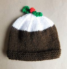 Christmas Pudding Baby Hat | What an adorable and funny baby hat knitting pattern.