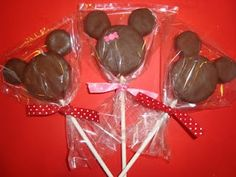 Mickey Mouse Pops and Mickey Mouse cookies... Perfect party favors... :-)