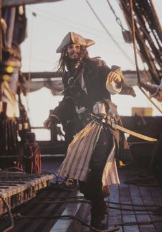 Johnny Depp as Captain Jack Sparrow. Pirates of the Caribbean, Captain Jack Sparrow, Teen Idle, Jonny Deep, On Stranger Tides, Pirate Life, Chef D Oeuvre, Pirates Of The Caribbean, Good Movies, Public Enemies