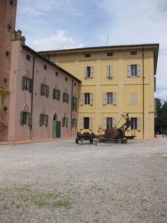 Villa Smeraldi, Museo della civiltà contadina - San Marino di Bentivoglio (BO) - Il piazzale antistante la Villa.
