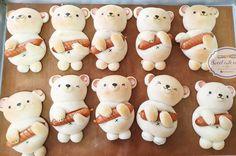 Cake Decorating Designs, Bread Rolls, Cute Food, Food Design, Cute Drawings, Cuddling, Bear Food, Bakery, Food And Drink