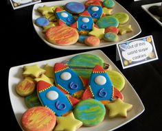 Planet cookies with colored frosting