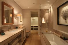 John-Cullen-bathroom-lighting-16.jpg 1,200×800 pixels