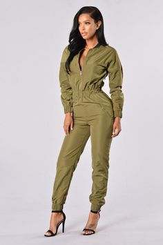 See related links to what you are looking for. Long Jumpsuits, Jumpsuits For Women, Look Fashion, New Fashion, Best Jeans For Women, Safari Dress, Plus Size Jumpsuit, Jumpsuit Outfit, Playsuit Romper