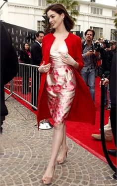 Anne Hathaway in First lady style | Gorgeous dress and that COAT! But I would've opted for pumps without the platform..