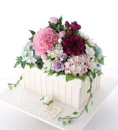 Cake, flower box filled with roses, peony, hydrangeas & gardenias. All flower hand made out for sugar by Flower & Fondant.