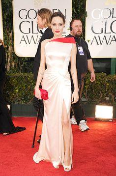 Los looks de alfombra roja que nos hicieron suspirar en 2012: Angelina Jolie en la 69 Entrega Anual de los Golden Globe Awards