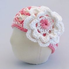 NB - 3 month Infant Girls hat with flower