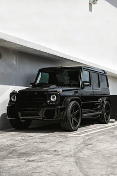 Mercedes all in black