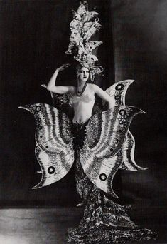 Folies Bergere 1909